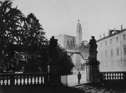 Blick auf den Schlosshügel von Udine