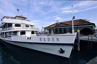 Baden im Hafen Kostanz