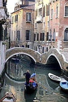 Gondel auf Venedigs Wasserstrassen