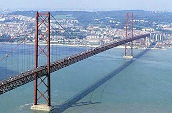 Tejo-Brücke in Lissabon