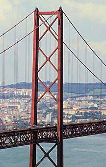 Tejobrücke in Lissabon