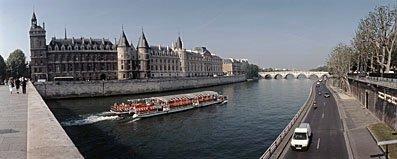 Seine in Paris,Schiff,Schiffe,Schifffahrt,Seine,Wasserstrasse,Wasserstrassen,Fluss,Flüsse,Touristen,Touristenboot,Stadt,Städte,Seine,Flüsse,