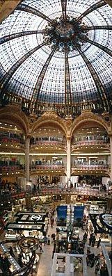 Kaufhaus Galleries Lafayette in Paris,Shopping in Paris,Kuppelbau,Glaskuppel,Jugendstil