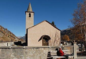 Kirche von Sils-Baseliga im Engadin