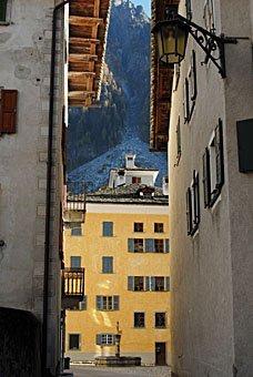 Häuser in Vicosoprano im Bergell