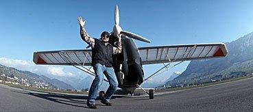 Kleinflugzeug und Kostrukteur
