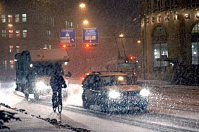 Schnee auf  Strasse