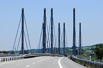 Autobahnbrücke vor Yverdon