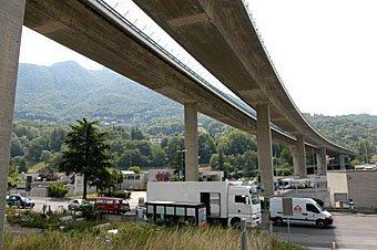 Autobahnbrücke bei Lugano