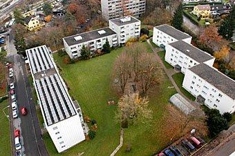 Siedlung Zürich Affoltern mit Baustelle