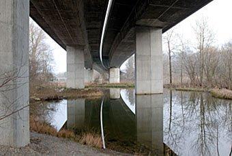 Autobahnbrücke über die Aare bei Schinznach