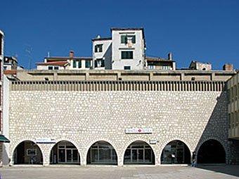 Bankgebäude in Split