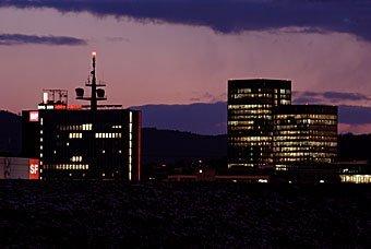 Leutschenbach Zürich mit Fernsehgebäude und Sunrise Tower
