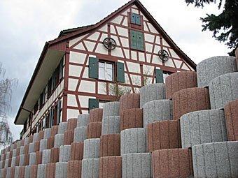 Garteneinfassung um Riegelhaus in Hemishofen