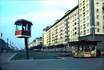 DDR, Ost-Berlin  Stalin-Allee 1964