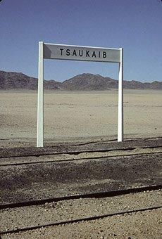 Eisenbahnstation Tsaukaib bei Lüderitz in der Namibwüste 11.10.1984