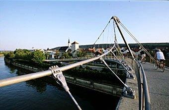 Personenbrücke über die Donau bei Kehlheim