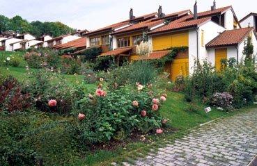 Wohnsiedlung und Gartenanlage am Zürichsee